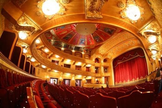 Teатар