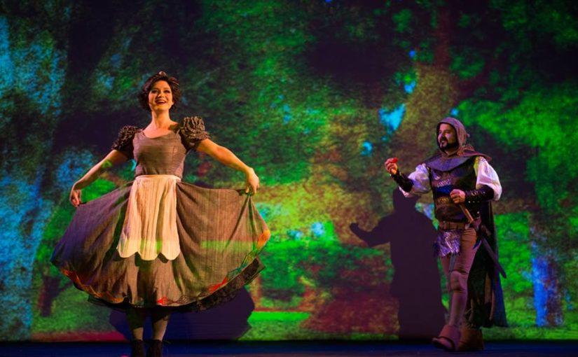 """ЗА КРАЈ НА ОВАА ГОДИНА -Драмски театар на 18.12.2018 ја иведе """"Снежана и седумте џуџиња"""" 50та по ред."""